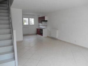 Maison de Ville T3 duplex – Terrasse + 2 parkings – rue Louis Maillet 10000 TROYES